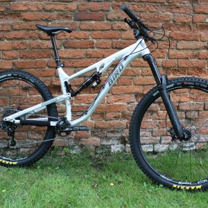 Aeris AM9 Full Suspension
